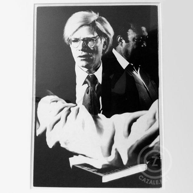 Stefan Moses, Andy Warhol, 1978, PE Papier, 20 x 30, rückseitig gewidmet, gestempelt  und signiert, mit Passepartout und Rahmung